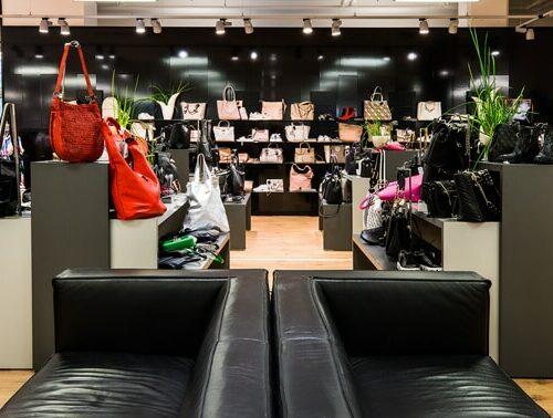 Abteilung Taschen & Accessoires in Schweinfurt