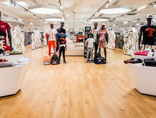 Unsere Abteilung Sportbekleidung & Sneaker in Forchheim